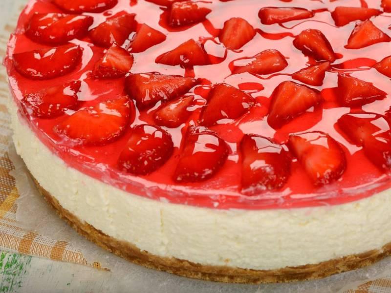 Cheesecake alle fragole: un dolce davvero imperdibile (e facilissimo da fare)