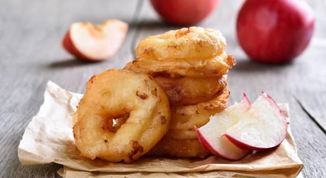 Scopri come preparare le frittelle di mele: la ricetta classica e al forno