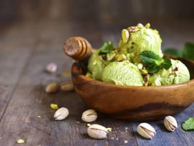 Gelato al pistacchio fatto in casa: buono e cremoso come in gelateria!