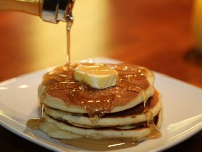 Shake, shake: versa il pancake dalla bottiglia!