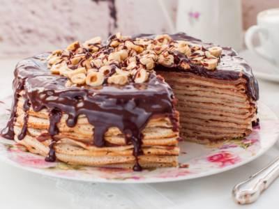 Volete fare una torta ma non siete dei pasticceri provetti? Ecco la torta di crêpes, la più furba che c'è!