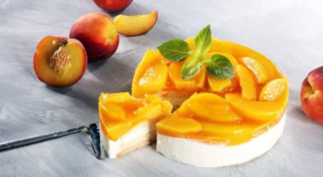 È buonissima e perfetta per l'estate: è la cheesecake alle pesche!