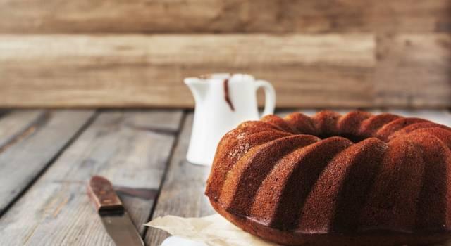 Ciambella al cioccolato: è il dolce per la colazione che piace a tutti!