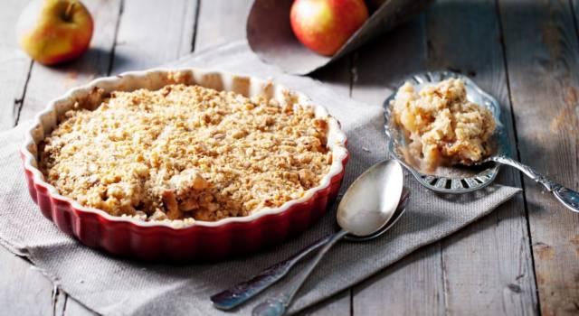 Prepariamo insieme il crumble alle mele: la ricetta a cui non potrete rinunciare!