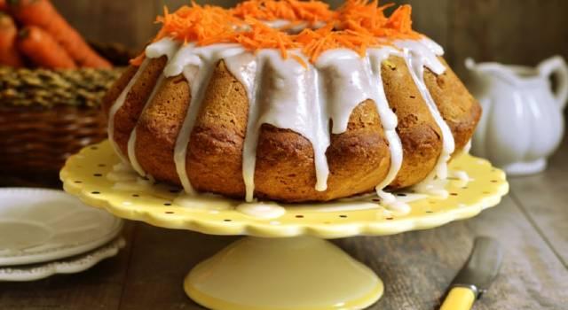Soffice, alta e buonissima: è la torta alle carote!