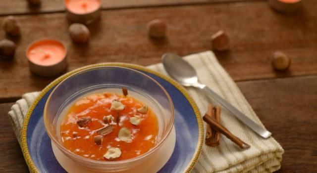 Un dessert al cucchiaio di stagione è la mousse di cachi: prepariamola insieme!