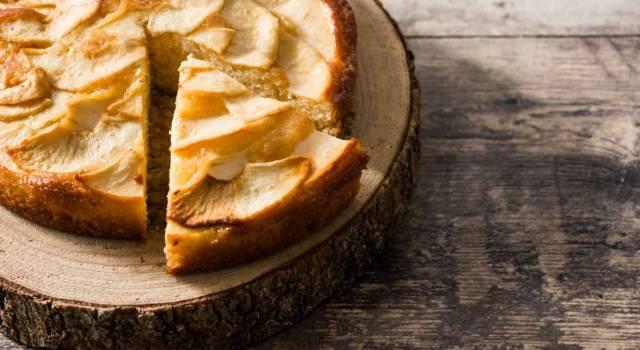 La torta di mele e yogurt è un dolce che non potete non preparare: ecco la ricetta!