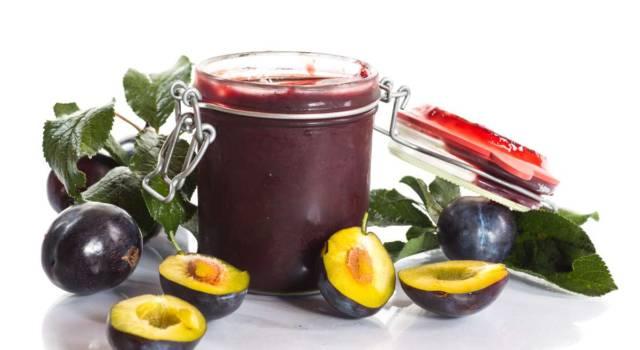 Marmellata di prugne senza zucchero: una variante leggera ma sempre buonissima!