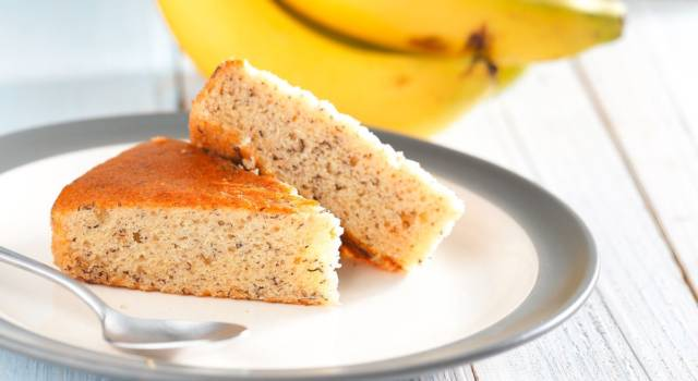 Soffice, buonissima e facile da fare: è la torta di banane!