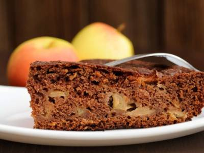 Quant'è buona la torta di mele e cioccolato? Prepariamola insieme!