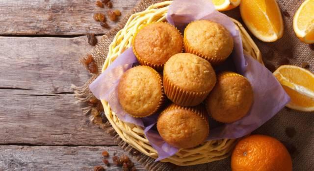 Che profumo in cucina: oggi prepariamo i muffin all'arancia!