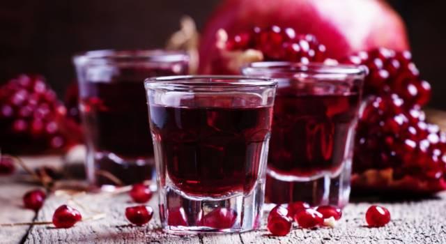 Avete mai assaggiato il liquore al melograno? Ecco come prepararlo in casa!
