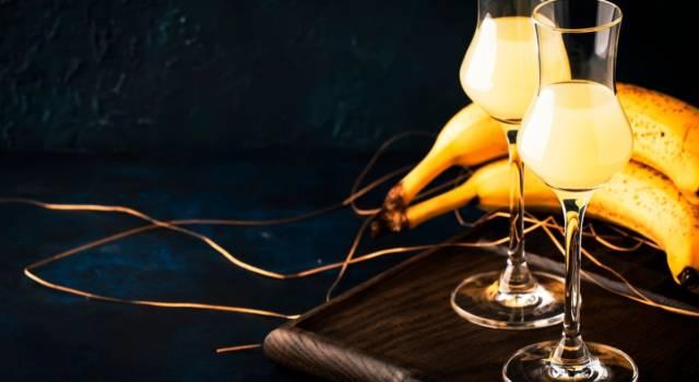 Avete mai assaggiato il liquore alla banana? Prepariamolo insieme!
