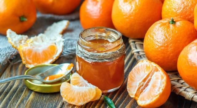 Profumata e perfetta per chi ama gli agrumi: prepariamo la marmellata di mandarini!