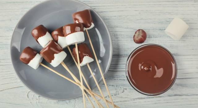 Preparare i marshmallow in casa è davvero un gioco da ragazzi: ecco la ricetta!
