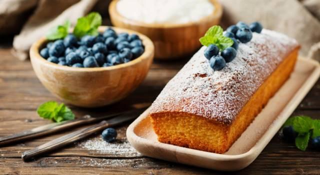 Spuntino dolce o colazione golosa? La soluzione giusta è il plumcake allo yogurt greco!