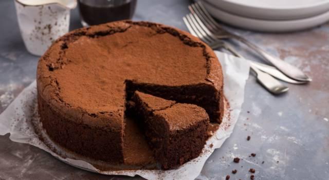 Iniziate la giornata con la giusta carica: provate la torta al cioccolato senza glutine!