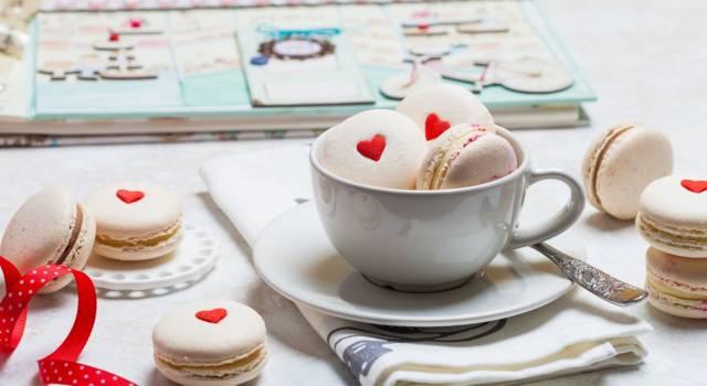 Prepariamo i macaron in una nuova veste: eccoli in versione San Valentino!