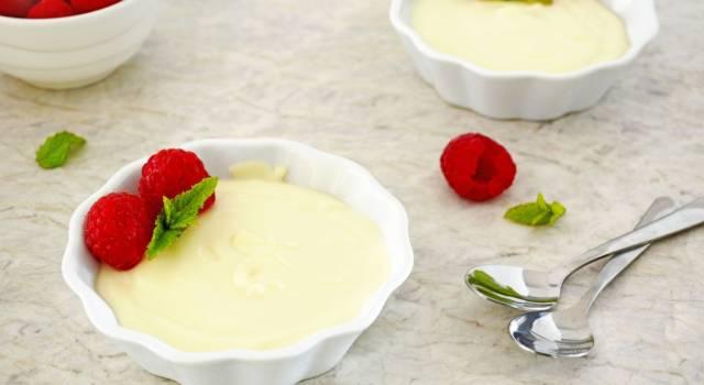 Crema pasticcera al cioccolato bianco: una variante super golosa