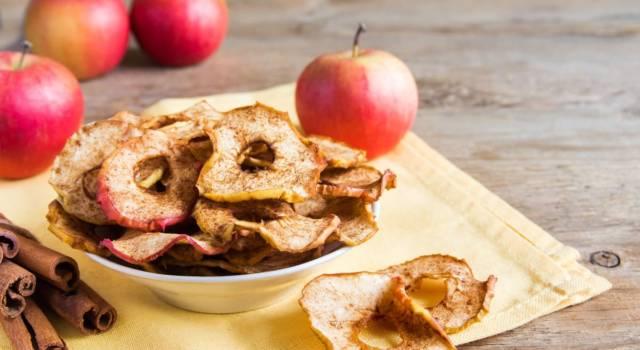 Mele essiccate al microonde: come preparare uno snack genuino in poche mosse!