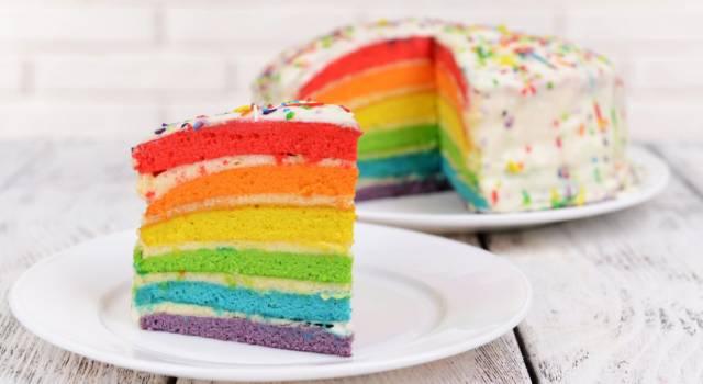 Quant'è bella la torta arcobaleno? Prepariamola insieme!