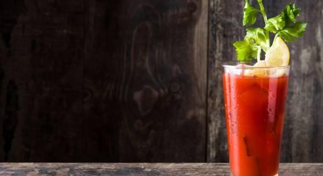 Come si prepara il cocktail Bloody Mary? La ricetta originale con il succo di pomodoro!