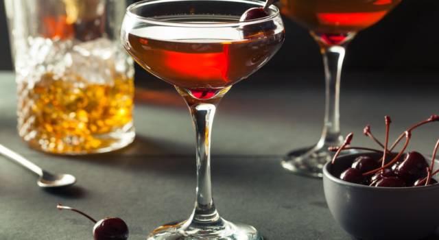 Come si prepara il Manhattan? Ricetta, curiosità e varianti del cocktail!