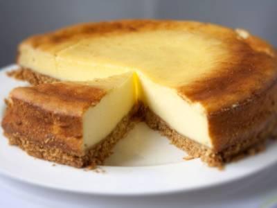 Cheesecake al Philadelphia: scopri le due varianti con e senza cottura