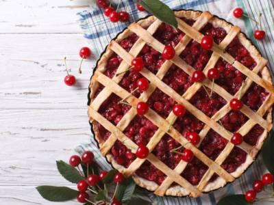 Crostata di ciliegie fresche: una ricetta buonissima e super scenografica!