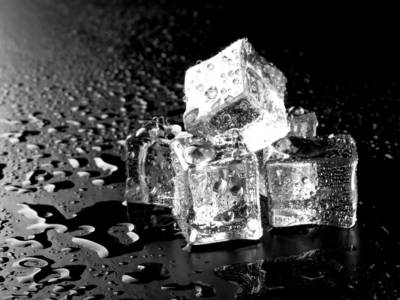 Usi del ghiaccio in cucina: quando semplice non vuol dire banale