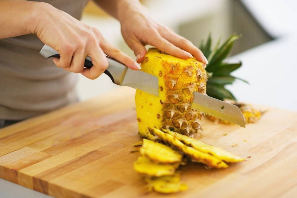 pulire ananas