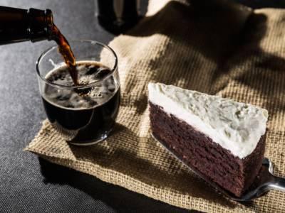 Appassionati di birra e dolci è il vostro momento: prepariamo la Guinness Cake!