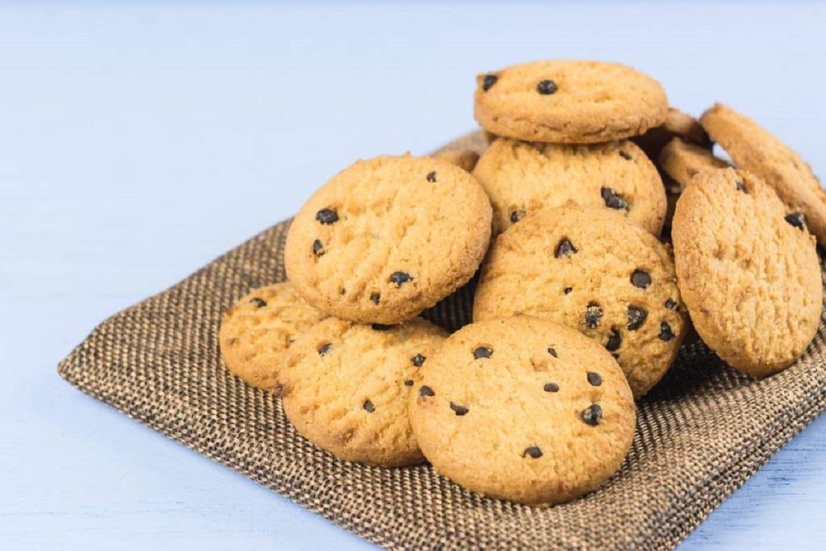 Ricetta Cookies Con Poco Burro.Biscotti Con Gocce Di Cioccolato Senza Burro La Ricetta Per Dolcetti Deliziosi