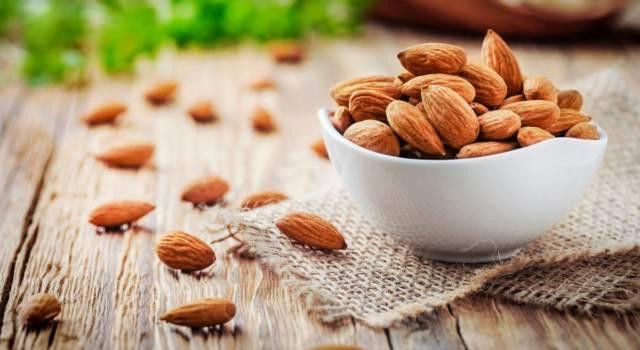Mandorle tostate: trucchi e consigli per non sbagliare