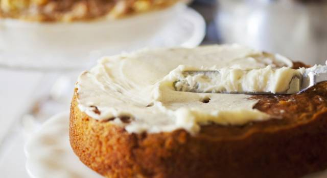 Come stuccare una torta: niente più segreti per chi ama fare i dolci!