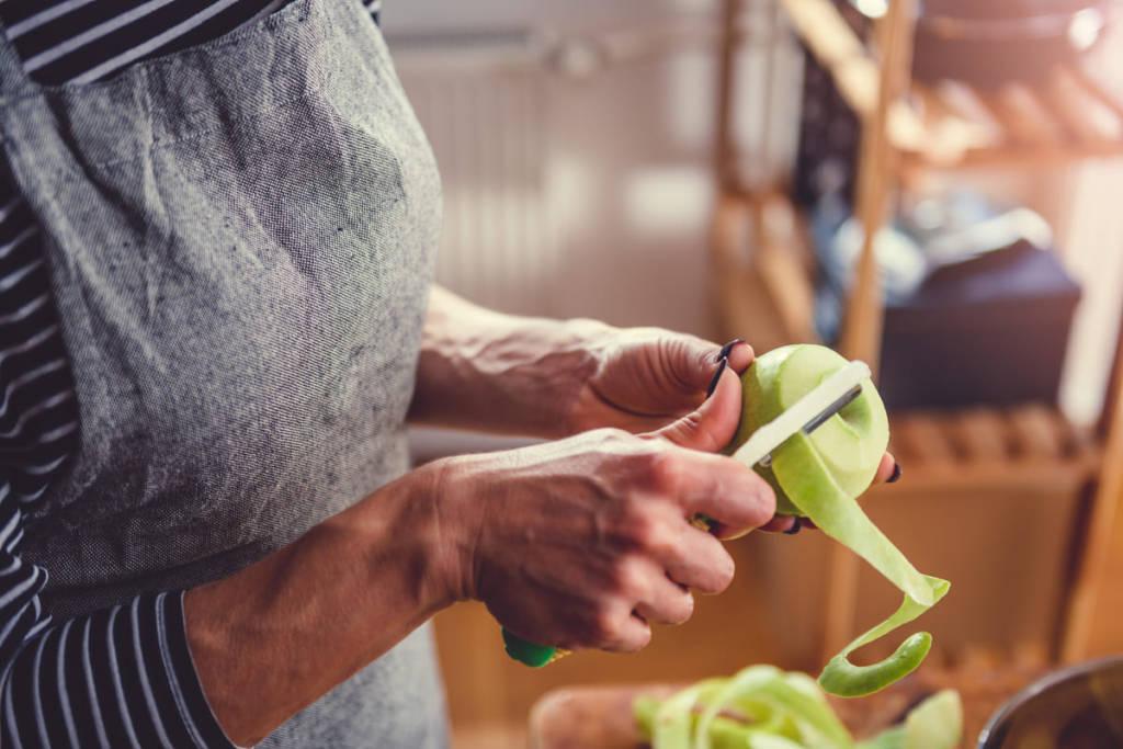 Riutilizzare le bucce della frutta
