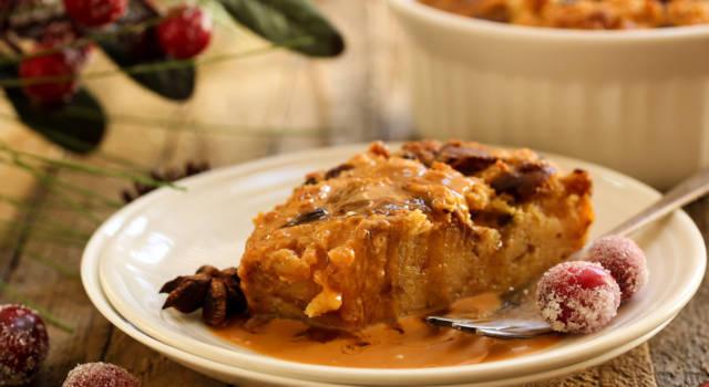 Il budino di panettone è perfetto per chi cerca un dolce di Natale originale