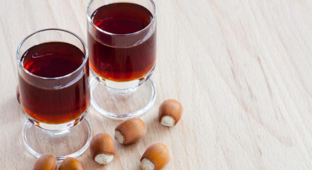 Liquore alla nocciola: aromatico, facile da fare e perfetto a fine pasto!
