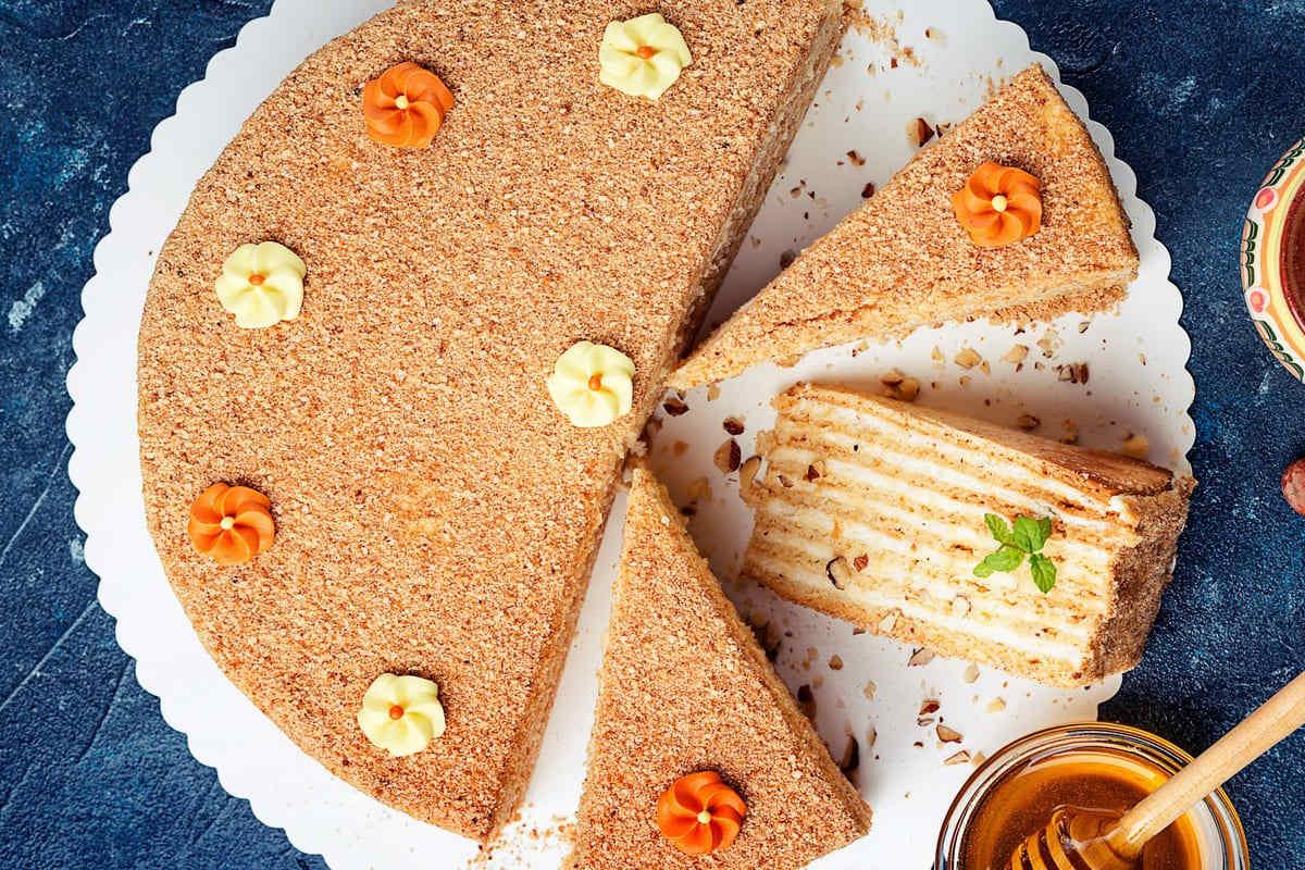 Torta con biscotti secchi