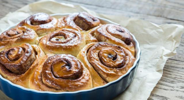 Soffice, golosa e perfetta in ogni momento: è la torta di rose alla Nutella!