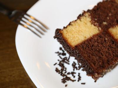 Cercate una torta scenografica ma semplice? Provate la torta a scacchi!