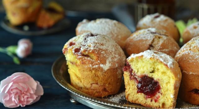 Solo al primo assaggio scoprirete cosa si cela all'interno dei muffin alla marmellata