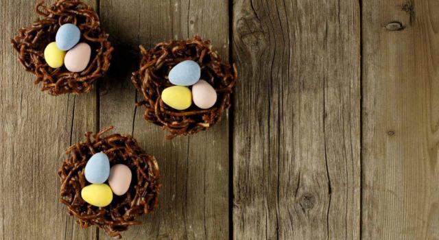 Golosissimi e facili da fare: oggi prepariamo i nidi di Pasqua