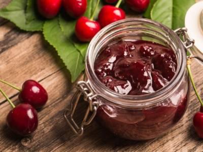 Marmellata di visciole, una delle confetture più dolci da fare in casa