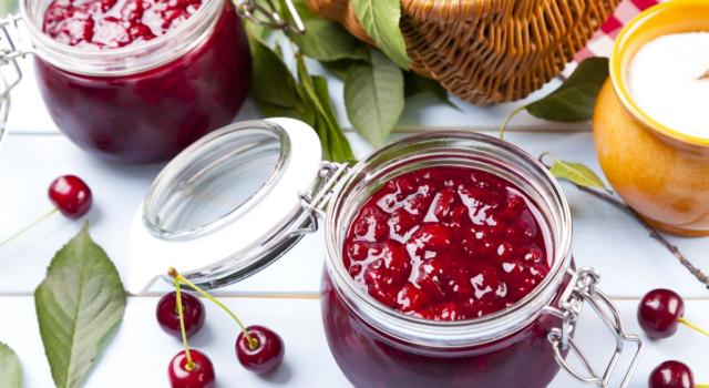 Marmellata di ciliegie senza zucchero: la ricetta con sola frutta