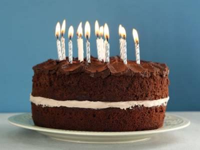 Ecco la ricetta per una torta di compleanno facile e con pochissimi ingredienti!