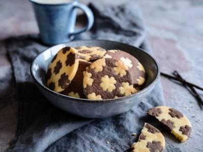 Belli e buoni, sono i biscotti bicolore facili da fare in casa!