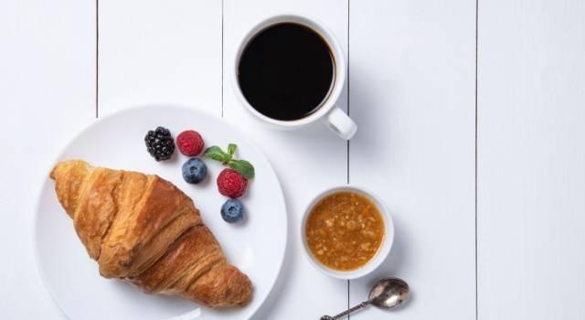 Per una colazione genuina c'è la ricetta dei cornetti vegan, senza uova né burro