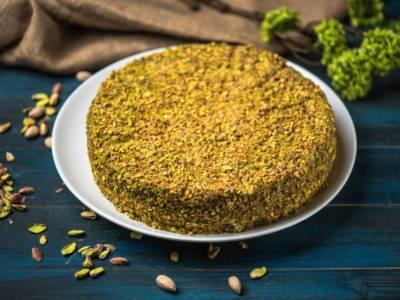 Avete voglia di una torta al pistacchio? Ecco una ricetta semplice e morbida