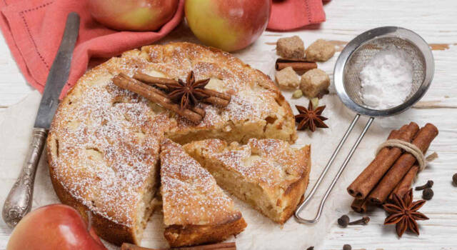Torta di mele e cannella: la variante più fragrante e profumata